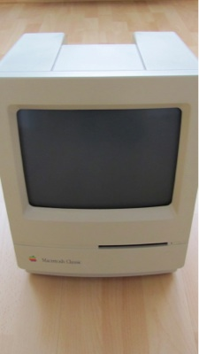 .._computer_appe_macintosh_classic_k APPLE MACINTOSH