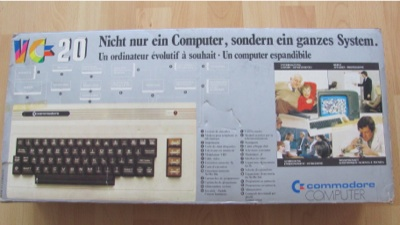 .._computer_commodore_vc20_verpackung1_k COMMODORE VC-20
